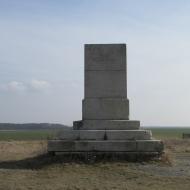 blonie-pomnik-01