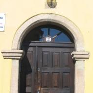 bystrzyca-kosciol-sw-michala-archaniola-plebania-portal