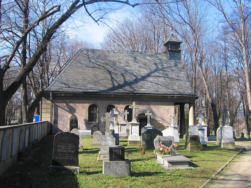 bystrzyca-cmentarz-kaplica-1