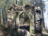 poreba-ruiny-kaplicy-2