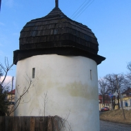 czarnowasy-klasztor-norbertanek-baszta-1