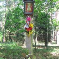 janik-kapliczka-lesna-2