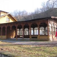 jerzmanice-zdroj-stacja-wiata-1.jpg