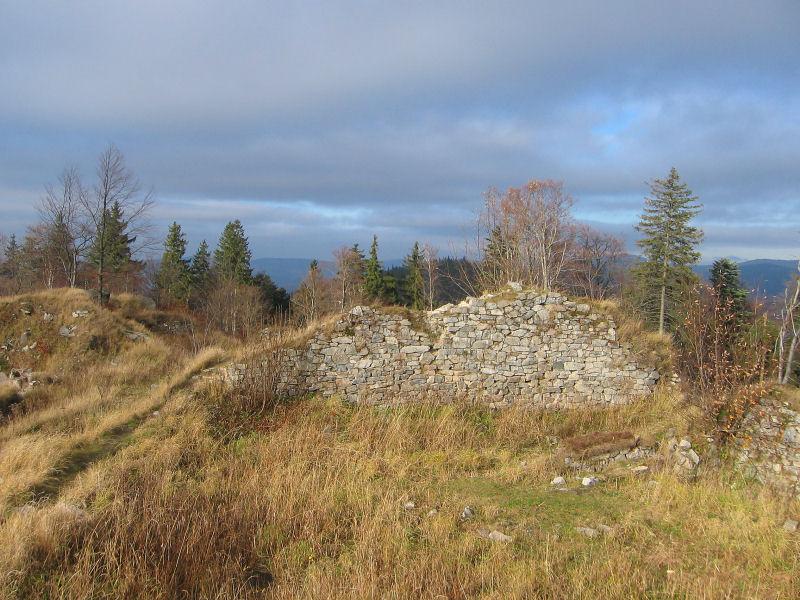 karpien-ruiny-zamku-3.jpg