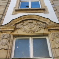 katowice-stary-dworzec-emblemat-3.jpg