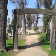 mierczyce-kosciol-brama-cmentarna