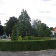 milicz-palac-park.jpg