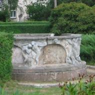 milicz-palac-secesyjna-fontanna.jpg