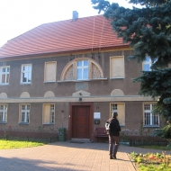mrozow-kosciol-plebania-1