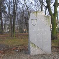 oborniki-slaskie-pomnik-700-lecia.jpg