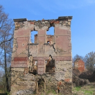 pielaszkowice-ruiny-palacu-1