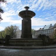 pl-1-maja-fontanna-2