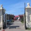 praszka-cmentarz-brama-2