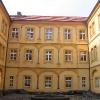 proszkow-zamek-dziedziniec