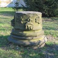psie-pole-kosciol-ss-jakuba-i-krzysztofa-lapidarium-3