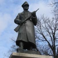 rawicz-pomnik-zolnierza-2.jpg