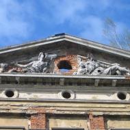 slawikow-ruiny-palacu-tympanon