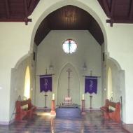 sroda-slaska-cmentarz-kaplica-wnetrze