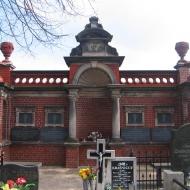 sroda-slaska-cmentarz-mauzoleum