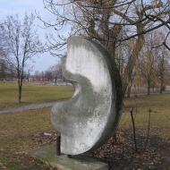 sroda-slaska-staw-kajaki-pomnik