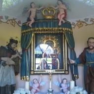 strumien-kapliczka-ul-londzina-wnetrze