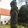 swidnica-polska-kosciol-plebania-figura