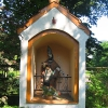 turawa-palac-kapliczka