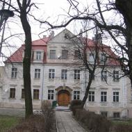twardogora-palac-3
