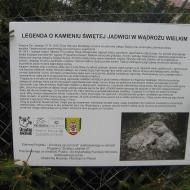 wadroze-wielkie-kamien-sw-jadwigi-tablica