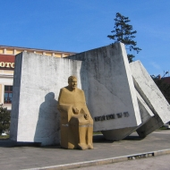 zlotoryja-pomnik-reymonta.jpg