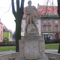 zlotoryja-rynek-fontanna-gornikow-1.jpg