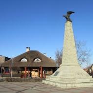 zywiec-pl-grunwaldzki-4-pomnik