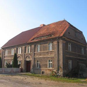 osiek-budynek-1