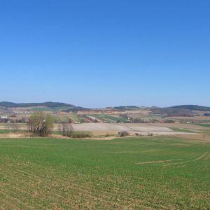lisia-gora-widok-na-grochowiec-stroznik-i-bukowczyk