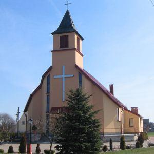 dabrowka-kosciol