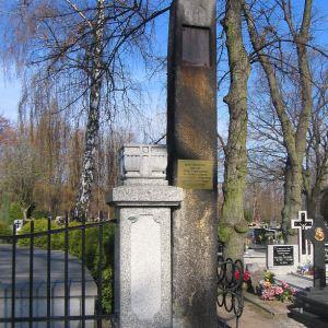 ostrzeszow-cmentarz-pomnik-powstancow-wlkp-3