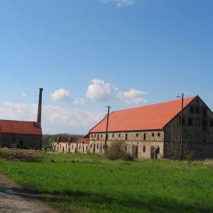jezierzyce-male-palac-folwark