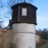 czarnowasy-klasztor-norbertanek-baszta-2