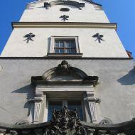 dabrowa-zamek-wieza