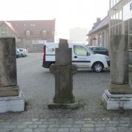 bielany-wroclawskie-dwor-lapidarium-01
