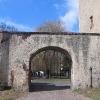 bierutow-zamek-przejscie