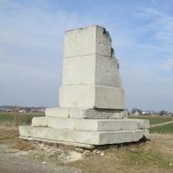 blonie-pomnik-04