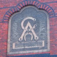 brochow-szkola-emblemat-2.jpg