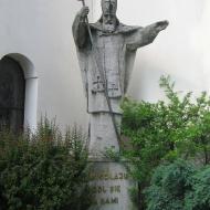 bujakow-kosciol-figura