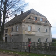 bukowek-budynek-1