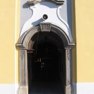 byczen-kosciol-portal.jpg