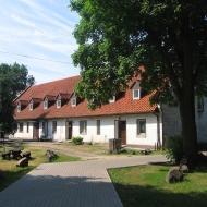 chojnik-kosciol-dom-parafialny