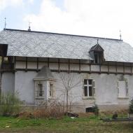 chwalimierz-palac-domek-ogrodnika-2
