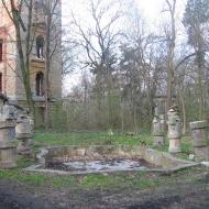 chwalimierz-palac-fontanna-1