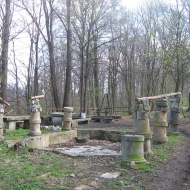 chwalimierz-palac-fontanna-2